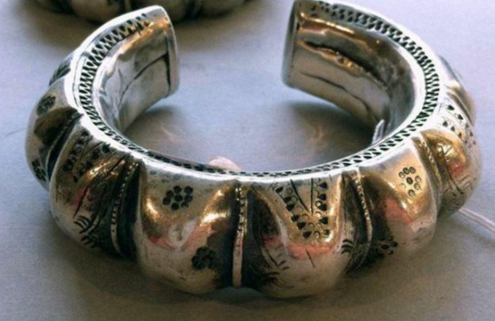 silver-oman